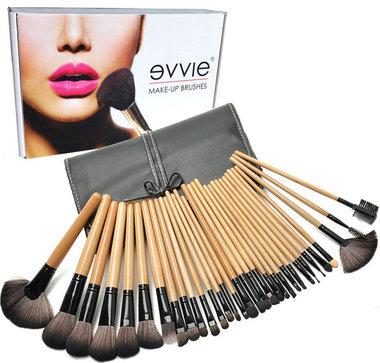 Set van 32 make-up kwasten hout